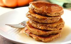 Bal kabağı püresi, yenibahar, tarçın, zencefil gibi baharatlarla hazırlanan pancake tarifi içeriği ile diğerlerinden oldukça farklı.