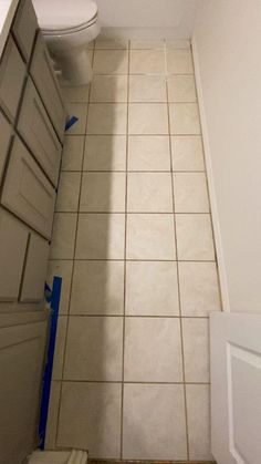 Home Room Design, Bathroom Interior Design, House Design, Interior Paint, Boho Bathroom, Bathroom Kids, Painting Tile Floors, Diy Painting, Casa Clean