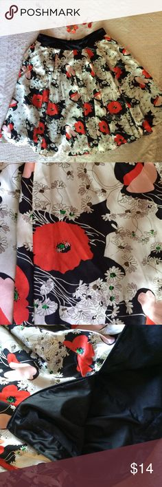 🔥Sale🔥 Forever 21 Floral Skirt Satin sway and flirty. Floral flare. Very good condition. Skirts