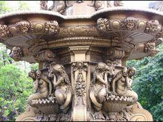 Detalle de la fuente de Princes Street  Gardens en el castillo de Edimburgo,  Escocia.