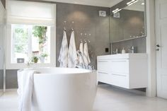 Fibo trespo väggskiva Decor, Home Decor, Basement Bathroom, Bathroom, Bathroom Inspo, Bathtub