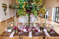 5 Grand Tips AND Tricks: Wedding Flowers Table Garland wedding flowers table garland.Wedding Flowers Pink And White inexpensive wedding flowers aisle runners. Purple Roses Wedding, Bright Wedding Flowers, Vintage Wedding Flowers, Winter Wedding Flowers, Flower Bouquet Wedding, Autumn Wedding, Green Wedding, Wedding Table Garland, Wedding Flower Decorations