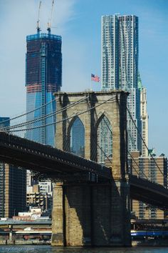 """1 World Trade Center, New York by Gehry & Brooklyn Bridge- today's view from the @BklynBrdgPark"""