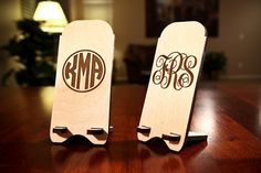 Personalized custom iphone stand. custom engraved with the monogram of your choice! fancy or circle. iphone 4 and iphone 5 capable!