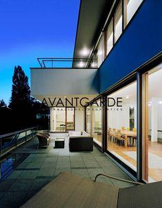 Moderne Villa in einzigartiger Aussichtslage - Avantgarde Properties Terraces, Luxury Living, Luxury Real Estate, Modern Architecture, Gardens, Mansions, Beautiful, House Styles, Home Decor