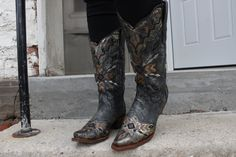 Corral Women's Tribal Silver Grey Bronze Embroidered Cowgirl Boots A3046