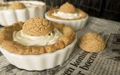 amaretti- white chocolate mousse mini tarts