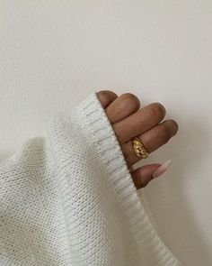 Shaadi Lehenga, Gold Jewellery, Jewelry Rings, Diy Room Decor For Teens, Minimal Jewelry, Fingerless Gloves, Arm Warmers, Outfit Ideas, Bling