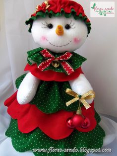 38 Ideas Sewing Crafts To Sell Christmas Christmas Crafts To Sell, Quilted Christmas Ornaments, Felt Christmas Decorations, Christmas Sewing, Holiday Crafts, Christmas Holidays, Holiday Decor, Snowman Crafts, Felt Crafts