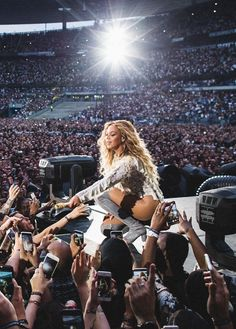 Beyonce Formation World Tour: Paris, France (July Beyonce Knowles Carter, Beyonce And Jay Z, Beyonce 2016, Beyonce Fans, Mrs Carter, Destiny's Child, Live Action, Divas, Beyonce Performance
