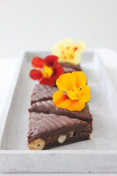 CookieCrumble: Chokoladesnitter m. hasselnød Cakes And More, A Food, Cravings, Sweets, Candy, Chocolate, Fours, Recipes, Passion