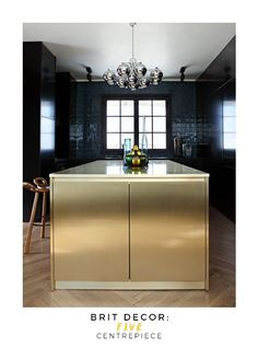 Brit Decor: Gold/ 10 Luxe-Look Kitchen Ideas