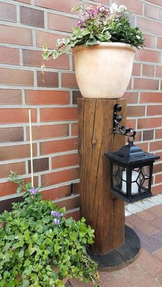 Most Beautiful Gardens, Amazing Gardens, Solar Light Crafts, Wood Creations, Wooden Crafts, Garden Supplies, Garden Planters, Garden Projects, Garden Ideas