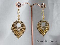 """Boucles d'oreilles en micro-macramé """"gris anthracite"""" : Boucles d'oreille par bijoux-la-discrete"""
