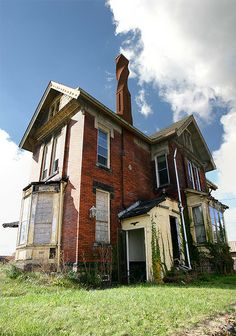 Abandoned Fight Club Mansion-Salem Ohio, (Built 1884 mansion has been abandoned for a long time.sign on the front door that said podiatrist and the back door window was broken The chimney is beautiful.)