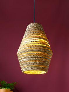 Design met een groen hart | Eettafel lamp van karton | Pera Light | Luuxoo
