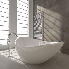 Jeeves heated towel rails are a leading South African manufacturer of heated towel rails for bathrooms. Modern Bathtub, Modern Bathroom Design, Bathroom Interior, Freestanding Bathtub, Contemporary Bathrooms, Decor Interior Design, Interior Decorating, Prada, Heated Towel Rail