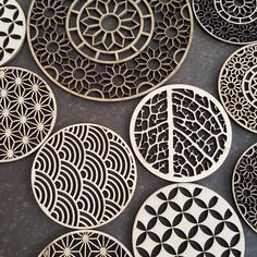 "31 Synes godt om, 1 kommentarer – Artport Sdn. Bhd (Malaysia) (@artport_sb) på Instagram: ""#artport #kayu #kerjakayu #woods #patterns #laser #lasercut #lasercutmalaysia #coasters #art #design"""