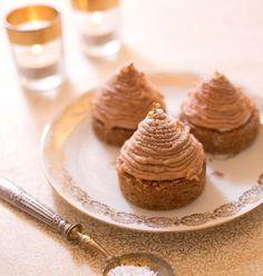 Si vous êtes un adepte de la crème de marrons, vous connaîtrez sûrement le Mont Blanc, ce dessert qui en fait saliver plus d'un !