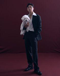 "2.8 mi curtidas, 55 mil comentários - 박서준 (@bn_sj2013) no Instagram: ""가족사진🐶"" Witch's Romance, Park Seo Joon Instagram, Kdrama Recommendation, Joon Park, Handsome Korean Actors, Park Seo Jun, Kim Yoo Jung, Kdrama Actors, Hyun Bin"