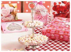 Iedereen kent ze: suikerhartjes! Xenos heeft ze in mini formaat, in pepermunt- of fruitsmaak! Schattig, lekker, en romantisch!