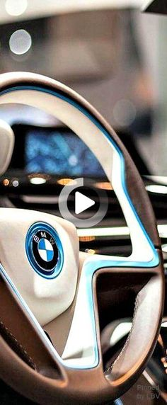 Supercars Fotografie Best Guacamole Recipe, I Series, Electric Car, New Me, Bmw Cars, Aesthetic Vintage, Bmw Logo, Our Love, Bmw I3