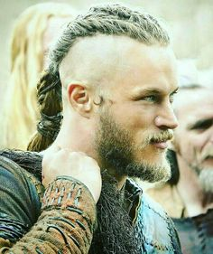 vikings King Ragnar lothbrok #ragnarlothbrok #vikings #historyvikings