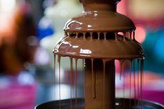 I love chocolate fountains. Chocolate Fondue Fountain, Chocolate Fountains, I Love Chocolate, Chocolate Heaven, Chocolate Basket, Chocolate Kisses, Chocolate Pictures, Chocolate Chocolate, Just Girly Things