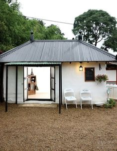 Trendy home office traditional dreams Small Modern Home, Trendy Home, Cafe Interior, Office Interior Design, Cafe Design, House Design, Shed To Tiny House, Dome House, Future House