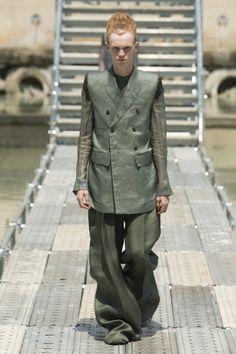 Rick Owens  #VogueRussia #menswear #springsummer2018 #RickOwens #VogueCollections