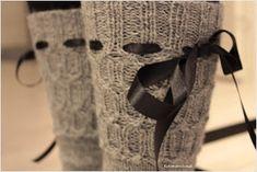 Koti männikössä: Harmon palmikkosukat ja ohjetta Koti, Burlap, Reusable Tote Bags, Cream, Knitting And Crocheting, Hessian Fabric, Custard, Jute, Lotion