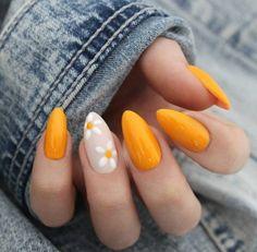 Belas unhas de gel amarelo com flores - gel manis - Cute Spring Nails, Spring Nail Art, Nail Summer, Bright Summer Gel Nails, Summer Beach, Summer Holiday Nails, Summer Diy, Summer Makeup, Summer Fall