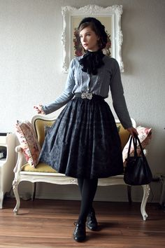 I went to Le Parloir tea house with @odore earlier in November. Sorry for the very sunny closeup, but I wanted to show the hairdo! Skirt: Juliette et Justine (Bisque Doll) Cardigan and belt: Axes...