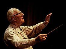 Eugen Jochum (Babenhausen, Suabia, 1 de noviembre de 1902 - Múnich, 26 de marzo de 1987) fue un director de orquesta alemán.  Biografía[editar] Eugen Jochum estudió piano y órgano en Augsburgo y dirección de orquesta en Múnich. Su primer empleo fue de pianista en los ensayos de las óperas de Mönchengladbach y, más tarde, de Kiel.  Debutó como director de orquesta con la Filarmónica de Múnich en 1926, dirigiendo la séptima sinfonía de Bruckner. Este mismo año fue nombrado director musical en…