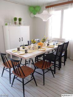 ruokailutila,ruokapöytä,kattaus,pinnatuoli,ruokailuhuone