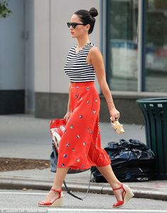 Oliva Munn's outfits are always on point!