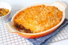Op zoek naar overheerlijke en stevige ovenschotel? Wat dacht je van deze zoete aardappelovenschotel met sperziebonen en gehakt?