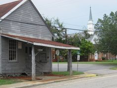 Blink And You'll Miss These 10 Teeny Tiny Towns In North Carolina