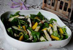 QulinarnePasje: Lekka sałatka ze szpinakiem, gruszką, mango i kurczakiem