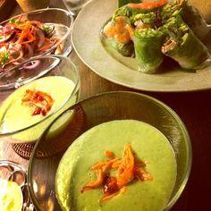 全てが未知の美味しい味でした〜✨ 爽やかでホントに夏向き♪  ゆかさんのスープに合わせて今夜は生春巻きとイカのマリネというおつまみです - 131件のもぐもぐ - Yuka Nakataさんの料理 Chilled cucumber soup shots with spicy crab 胡瓜の冷製スープ、蟹のスパイシー風味添 by komamie