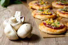 #kamzakrasou #spagetti #photography #pie #vegetables #lunch #homesweethome #delicious #healthykitchen #healthyfood #vegansofig #whatveganseat #foodblog #foodlover #dnesjem #instaslovakia #instafoood #vegansk #vita #vitamins #vitarian #instalike #instafoood #instagood #love #loveit #followme #follow4follow #followforfollow #followback Slovenské minipizze s 3 druhmi syra - KAMzaKRÁSOU.sk