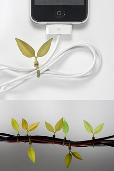 ♂ Unique fresh looking design - Leafy cable ties. Gadgets And Gizmos, Cool Gadgets, Phone Gadgets, Rideaux Design, Ideas Prácticas, Jet Pens, Cable Organizer, Cable Management, Getting Organized