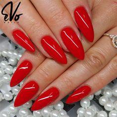 Kusząca czerwień jest dobra na wszystko! Lubisz czerwone paznokcie? Czy raczej gustujesz w innych kolorach? 017 SPANISH RED www.evonails.pl ___ Wyk: Magdalena Łątka FB : https://www.facebook.com/Pazurownia-stylizacja-paznokci-800255116772142/?ref=br_rs