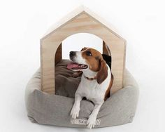 The Six Hands dog house set is a beautiful piece of modern and minimalistic design. It's a combination of a shelter that gives your four legged friend a sense of… Dog House Bed, House Beds, Dog Room Design, Dog Heaven Quotes, Green House Design, Small House Exteriors, Diy Dog Toys, Cool Dog Houses, Pet Beds