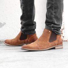 https://www.sooco.nl/bullboxer-h-571k45434-bruine-chelsea-boots-27115.html