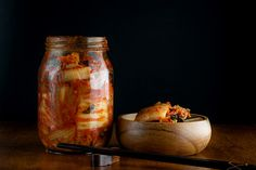 Probiotic Foods, Fermented Foods, Italian Recipes, New Recipes, Healthy Recipes, Healthy Food, Benefits Of Kimchi, Fermented Cabbage, Superfood Recipes