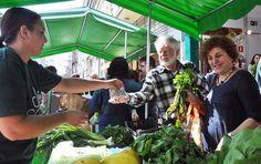 PONTO DE VENDA Loja do MST em São Paulo expõe solução agrária, ecológica e alimentar Inauguração do Armazém no Campo reuniu visões de resistência, igualdade e busca por qualidade de vida. Evento contou com a presença de Haddad, Suplicy, Trajano, entre outros 400 visitantes.