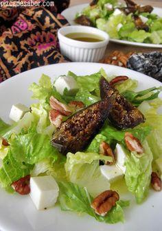 Ensalada con higos cristalizados, nuez y panela - Pizca de Sabor
