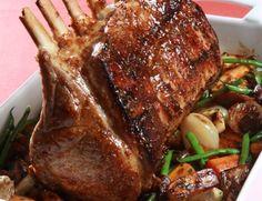 Κοινοποιήστε στο Facebook Υλικά Για το χοιρινό καρέ 1 κιλό χοιρινό καρέ, με κόκαλο 1 κιλό άλμη ελαιόλαδο Για τη σάλτσα μέλι-μουστάρδα 10 γρ. ελαιόλαδο 150 γρ. κρεμμύδι, κομμένο σε λεπτές φέτες 8 γρ. σκόρδο σε σκελίδες, σπασμένο 150 γρ.... Cooking Wild Rice, Greek Cooking, Cooking Oil, Greek Recipes, Pork Recipes, Cooking Recipes, Recipies, Xmas Food, Christmas Cooking