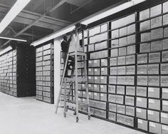 The Amazing Dedication Of The Archivists Who Maintain The National Personnel Records - War Historical Photos Mash Unit, Museum Studies, Freedom Of The Press, Marriage Records, Edward Snowden, Online Archive, National Cemetery, National Archives